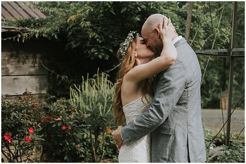 North Carolina candid wedding photographer