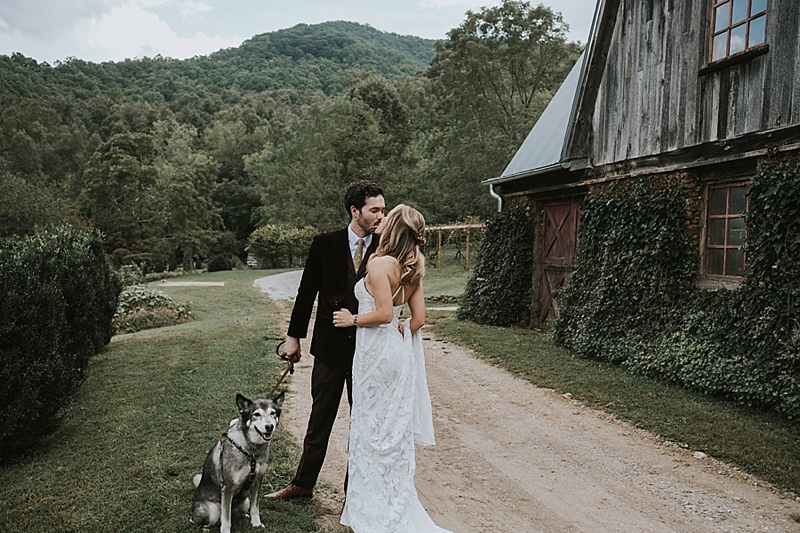 rustic wedding venue barn of chapel hill