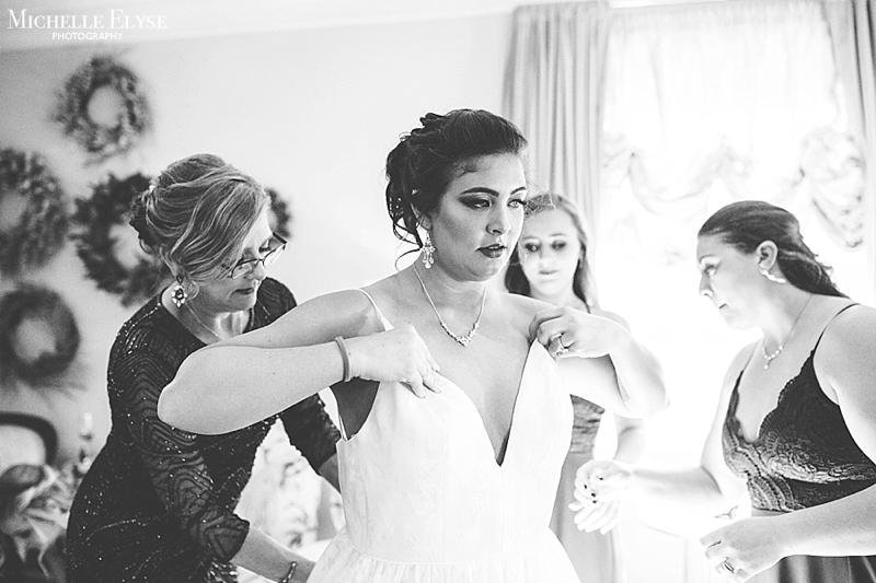 modern Raleigh wedding photographer