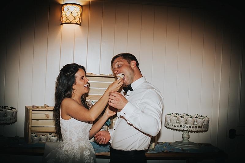 modern candid wedding photos